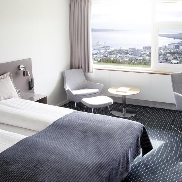 Hotel Føroyar lokkar við gisting og gin yoga ísv. Kvinnurenningina
